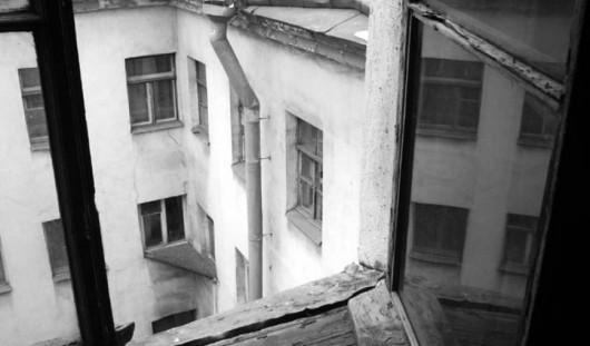 Ижевские полицейские спасли пенсионерку, пытавшуюся выпрыгнуть из окна