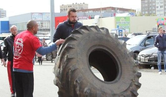 Забавы богатырей: в Ижевске прошел Кубок Приволжья по силовому экстриму