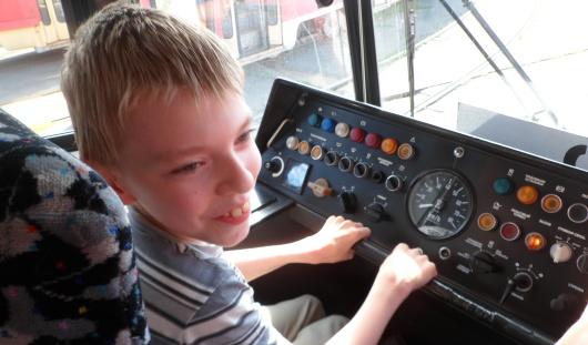Мечта мальчика с ДЦП из Ижевска исполнилась благодаря сотрудникам трамвайного депо