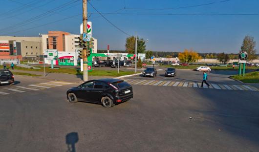 На светофоре у ТЦ Талисман в Ижевске изменилось время горения зеленого сигнала