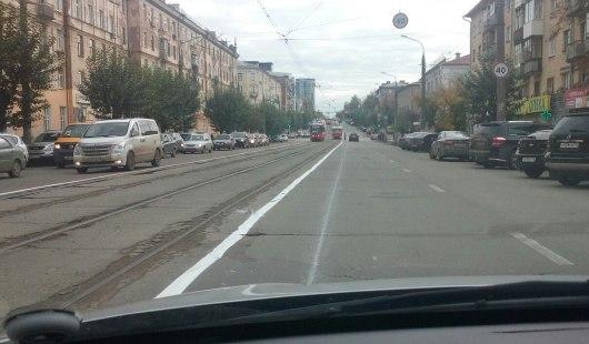 В Ижевске нарисовали сплошную разметку вдоль трамвайной линии