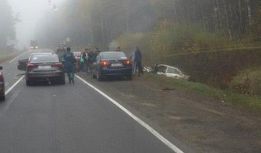 В Удмуртии в ДТП на Як-Бодьинском тракте в машине зажало водителя