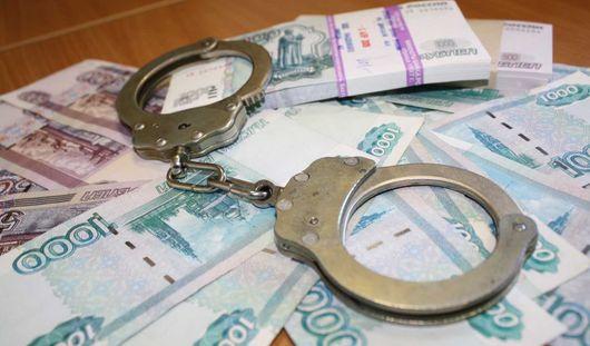 Начальница почтового отделения из Ижевска украла деньги из кассы и потратила их на еду и одежду