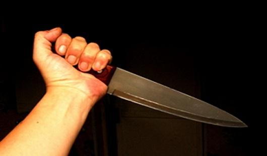 По сообщениям очевидцев, в Ижевске мужчина с ножом напал на 17-летнюю девушку