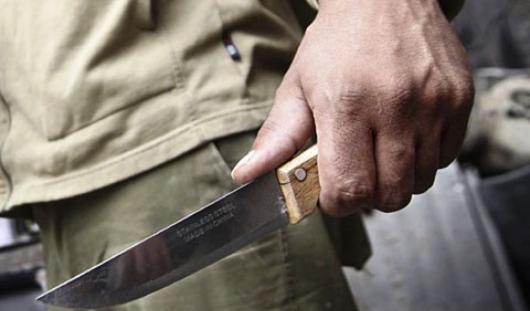 Преступник с ножом приставал к несовершеннолетней в Ижевске
