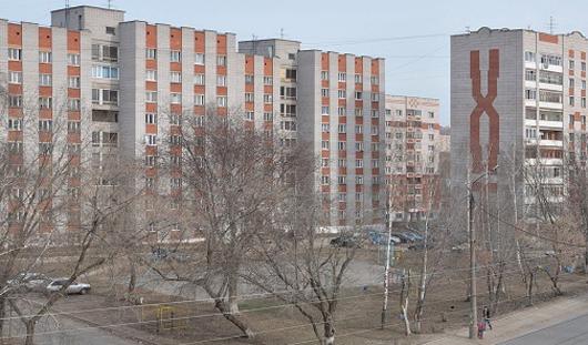 В Ижевске с 8 этажа дома на 30 лет Победы упала женщина