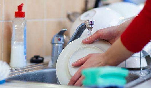 Ученые: мытье посуды снижает уровень стресса