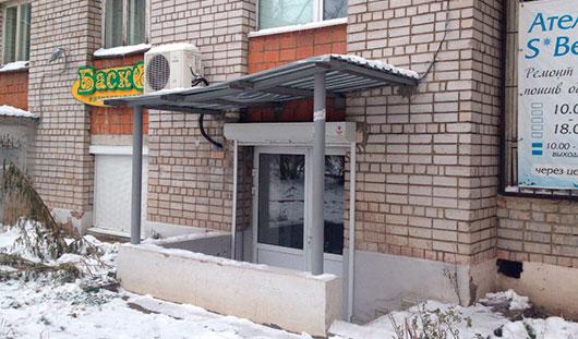 В Ижевске женщина выпала с 8 этажа и осталась жива