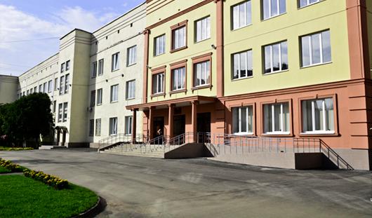 Женщина, выжившая после падения с 8 этажа, и лучшие школы Ижевска: о чём сегодня утром говорят в Ижевске?