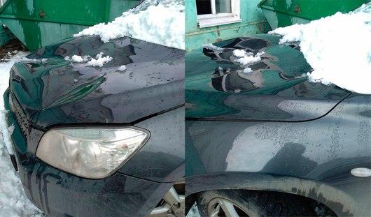 В Ижевске от схода снега с крыши пострадала машина
