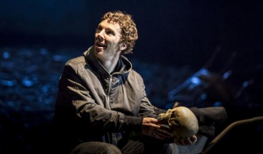 Конкурс: выиграй билеты на прямую трансляцию спектакля «Гамлет» с Бенедиктом Камбербэтчем