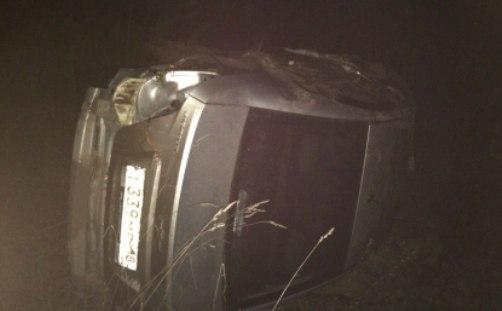 Машина с пьяным таксистом перевернулась на Увинском тракте