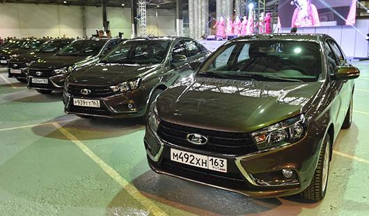 10 автомобилей Lada Vesta распределили между районами Удмуртии