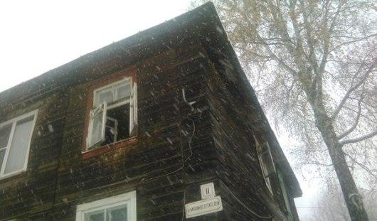 В Ижевске из окна выпали 2 маленьких ребёнка