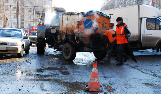 За 10 дней на дорогах Ижевска использовали более 900 тонн противогололедных материалов