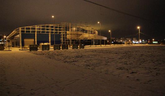 Строительство катка в Ижевске около «Метеора»: рабочие уже сделали дорожки