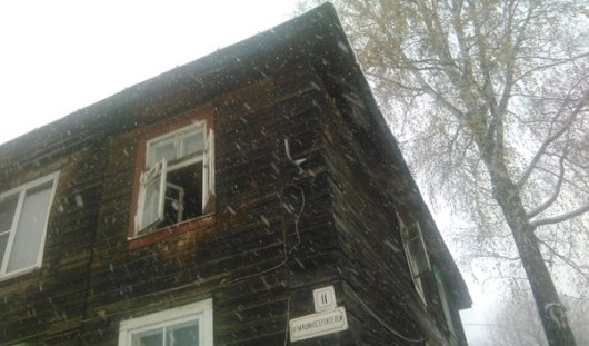 В Ижевске проверят родителей, чьи дети выпали из окна дома на улице Машиностроителей