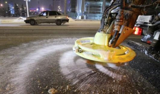 2 ноября более 500 тонн противогололедных материалов использовали на дорогах Ижевска