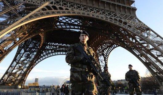 Теракт в Париже глазами ижевчан: в торговых центрах проверяют сумки