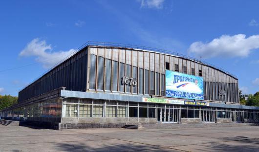К концу 2015 года завершат ремонт Ледового дворца «Прогресс» в Глазове