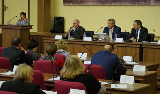 Глава Ижевска Юрий Тюрин провел заседание по межнациональным отношениям