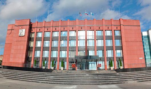 Администрация Ижевска закупает автомобиль на сумму более 1,8 млн рублей