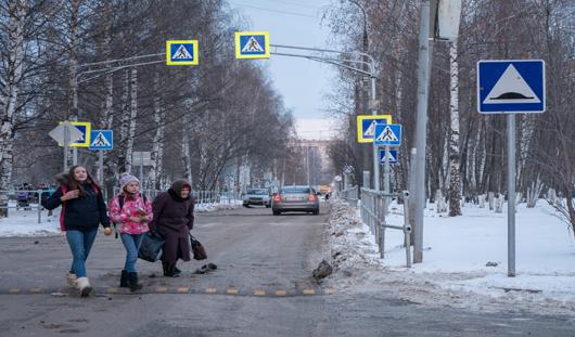 В Ижевске у школы №32 появились пешеходные ограждения