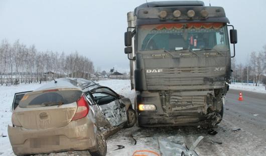 В ДТП в Башкирии ижевчанин погиб после столкновения с фурой