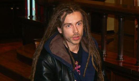 Ижевчане о Децле 2007 года: музыкант в «кожанке», заказывающий выпивку в баре