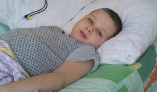 Паше, страдающему раком крови, экстренно нужны деньги на анализы