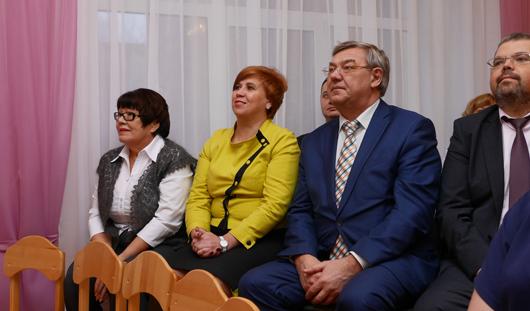 Глава Ижевска Юрий Тюрин посетил образовательные учреждения, где учатся особенные дети