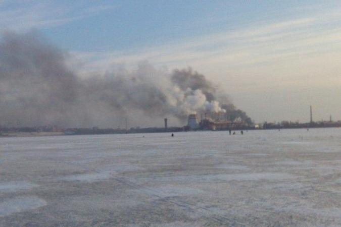 В Ижевске на территории технопарка «Мост» загорелся цех по производству мебели