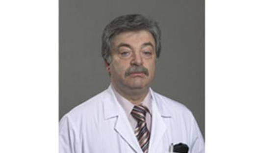 Хирург из Удмуртии стал заслуженным врачом России