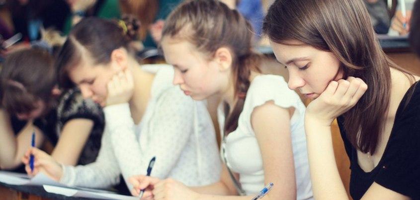 Почти 1,5 тысячи человек написали «Тотальный диктант» в Ижевске