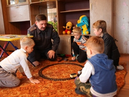 Майор полиции из Удмуртии воспитывает девятерых детей
