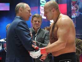 Владимир Путин поздравил боксера Емельяненко с победой