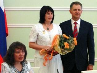 В Удмуртии 36 женщин получат знак отличия «Материнская слава» и 15 тысяч рублей