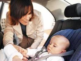 Ижевские мамочки учили водителей бдительности на дорогах