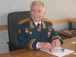 Калашников объяснил, как он относится к своему изображению на баннерах  КПРФ