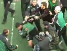 Скандальную футбольную драку в Грозном выложили в Интернет