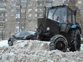От снежной каши Ижевск чистят 98 машин