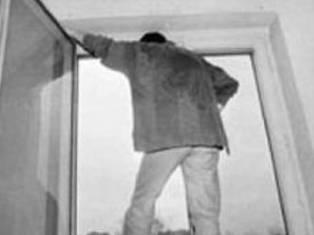 Ижевчанин, выпрыгнув с 6 этажа, свел счеты с жизнью