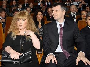 Кандидат в президенты Михаил Прохоров рассказал о Пугачевой и своей женитьбе