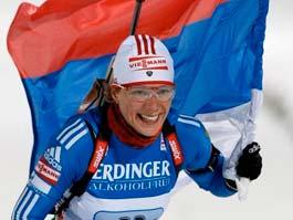 Россия выиграла смешанную эстафету на Кубке мира по биатлону