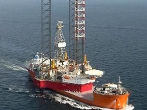 В Охотском море продолжается поиск людей с затонувшей платформы Ан-74