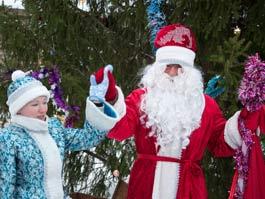 Новый год в Ижевске в наши дни: Поход на Центральную площадь по-прежнему в новогодних традициях горожан
