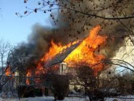В Удмуртии из-за неисправности электрообогревателя сгорел дом