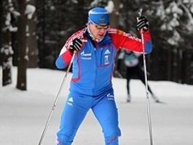 В Ижевске впервые после травмы биатлонист Черезов встал на лыжи