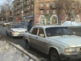 В Ижевске прохожая бросилась под машину, перепутав сигналы светофора