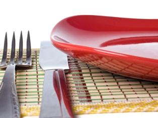 Ученые выяснили, какая посуда помогает похудеть